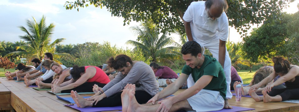 200-hour Sampoorna Yoga Teacher Training Courses
