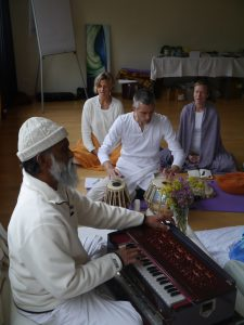 Satsang: Meditation, Chanting & Lecture with Shri Yogi Hari